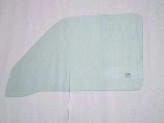 Suzuki Carry Right Front Door Glass DB52