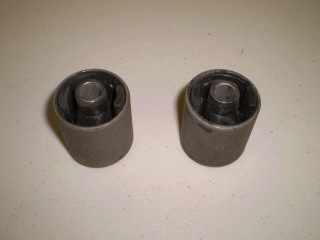Suzuki Carry Front Diff Bushing Small Pair